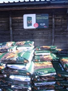 organic and peat free vegetable compost