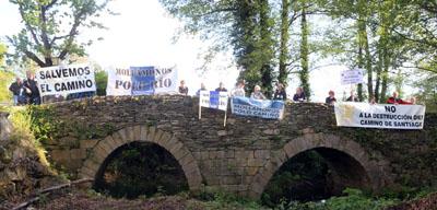 manifestación dos amigos do camiño en Sarria
